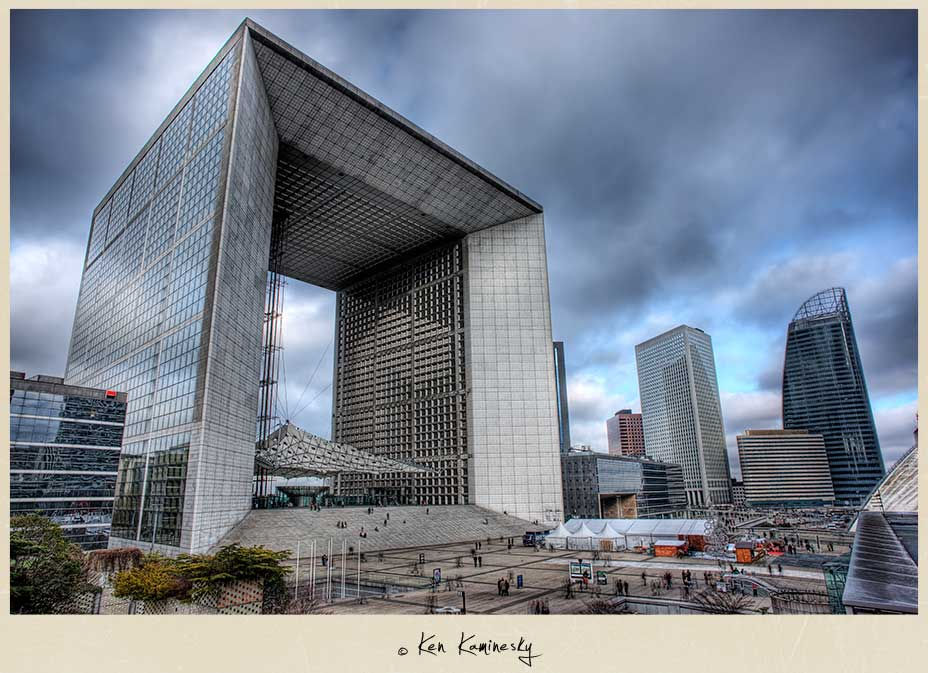 La Grande Arche de la Défense in Paris