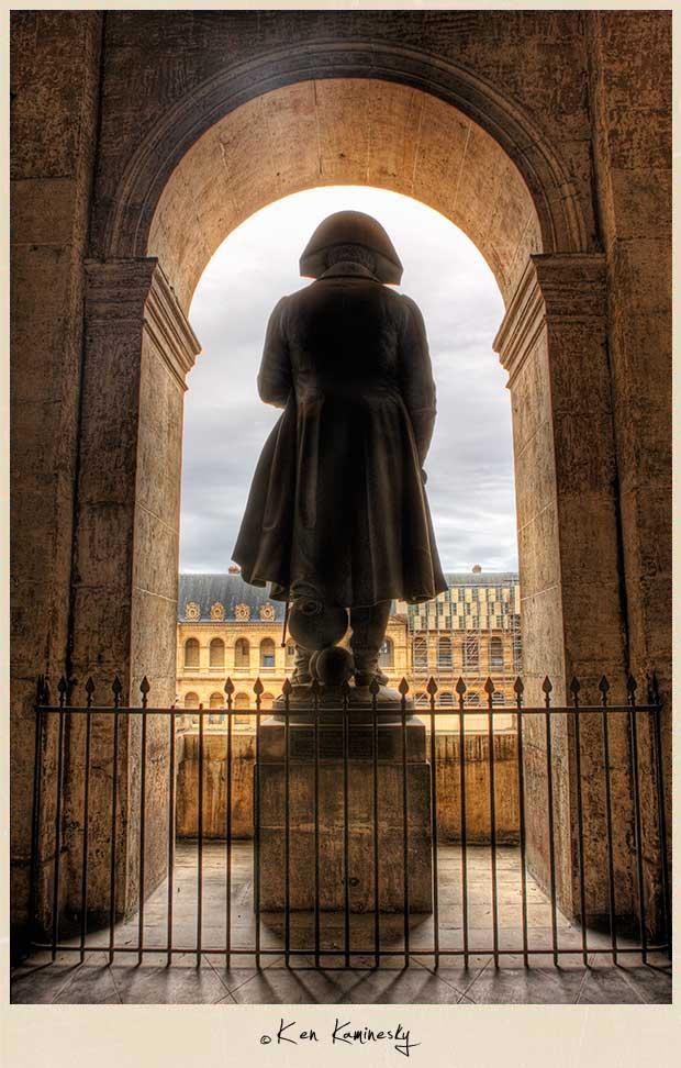 L'Hôtel National des Invalides - Statue of Napoleon