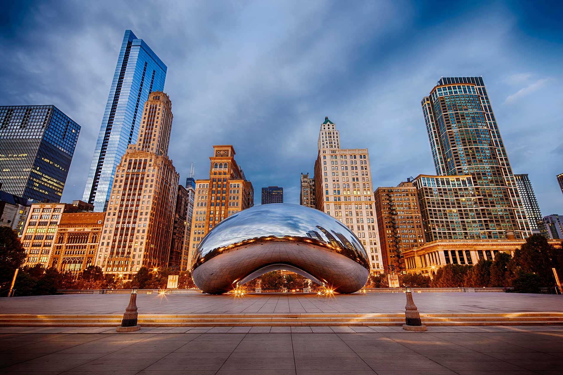 Cloud Gate at Millenium Park in Chicago at sunrise was shot using a Neutral Density filter to remove pedestrians in the frame